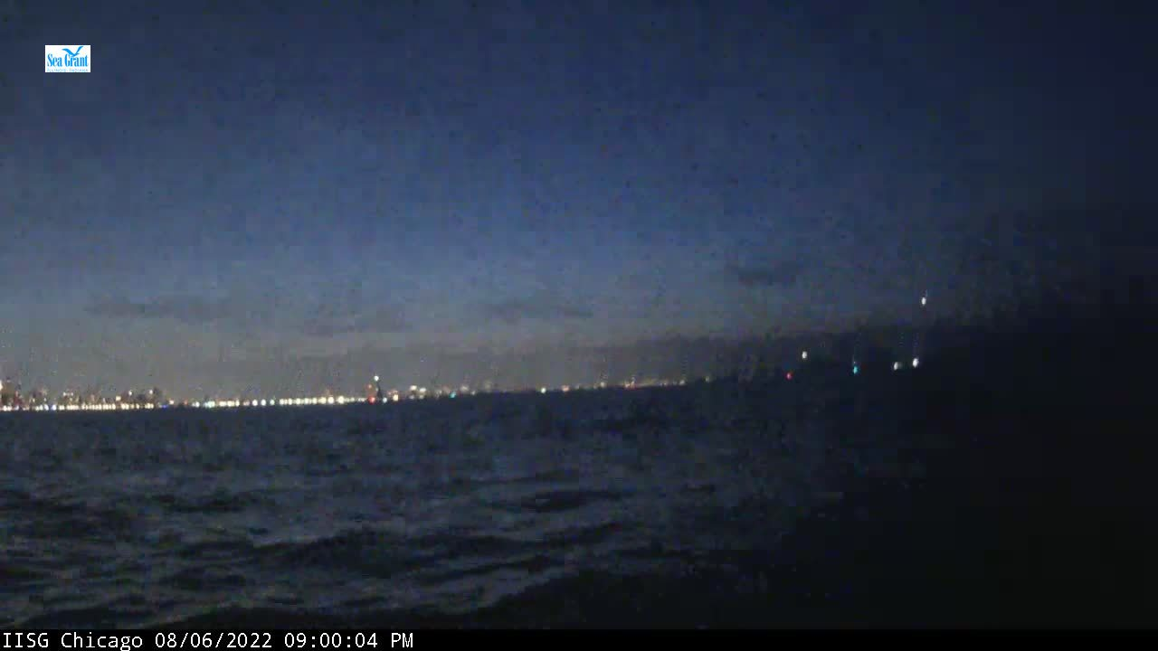 Webcam from Chicago Pier Buoy